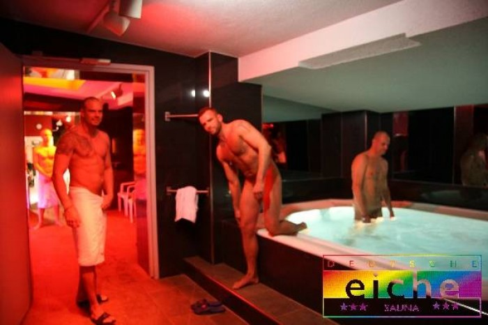 Gay bathhouse guide